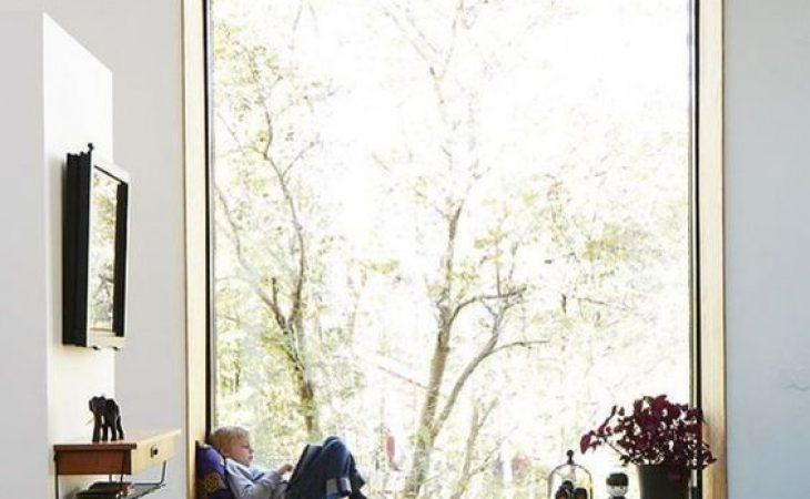 ליד החלון ישבתי וזכרון קטן ביומני כתבתי…. עיצוב אדן חלון